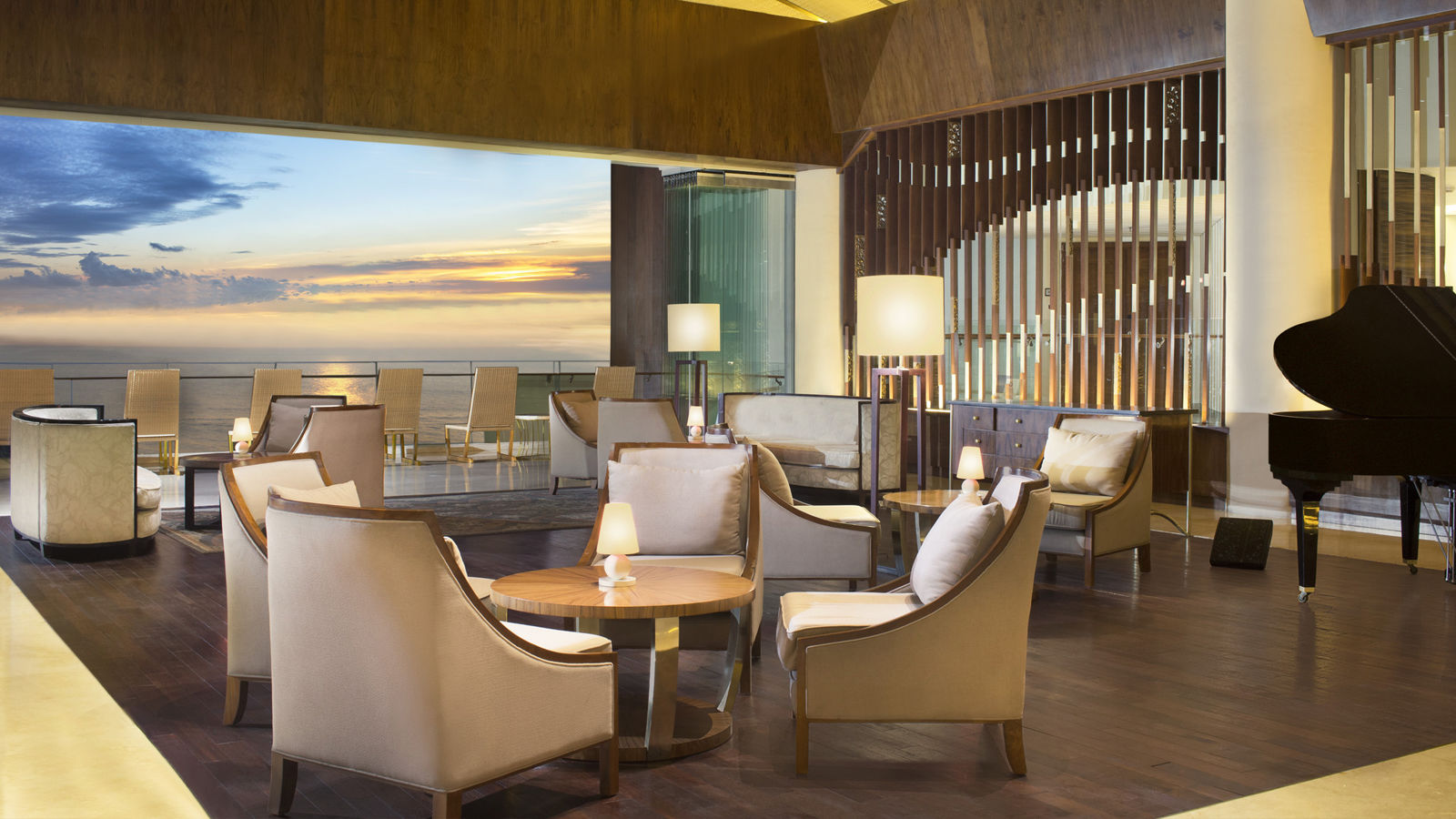 The Lounge | Sheraton Bali Kuta Resort | Fashion A to Tea | Sunset View | Ocean View | Kuta Beach