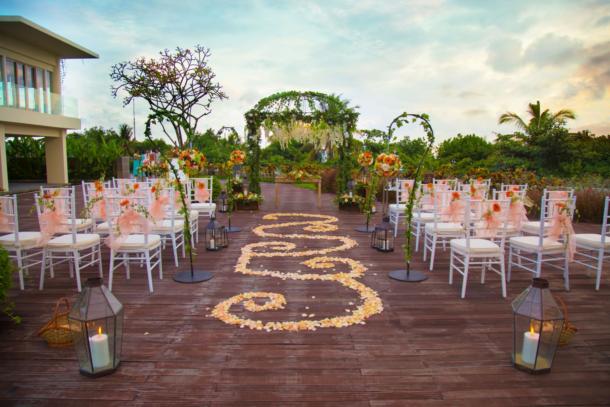 Weddings in bali kuta sheraton bali kuta resort for Bali mariage location